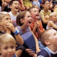 diverse Kindertheater-inszenierungen